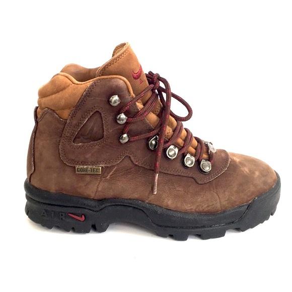 4d2575129a9 Nike Air ACG Gore-Tex hiking boots suede sz 7.5